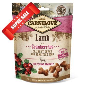 Лакомство для собак Carnilove Lamb with Cranberries For Strong Immunity 200 г